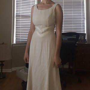 Dresses & Skirts - Wedding Dress size 4
